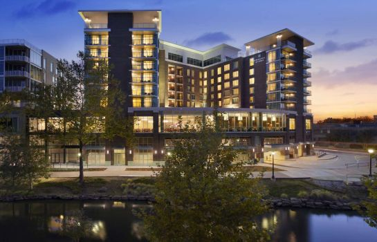 Vista exterior Embassy Suites by Hilton Greenville Downtown Riverplace