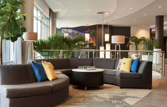 Vestíbulo del hotel Embassy Suites by Hilton Greenville Downtown Riverplace