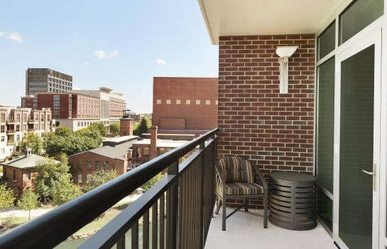 Suite Embassy Suites by Hilton Greenville Downtown Riverplace