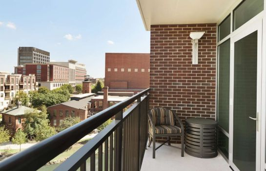 Zimmer Embassy Suites by Hilton Greenville Downtown Riverplace
