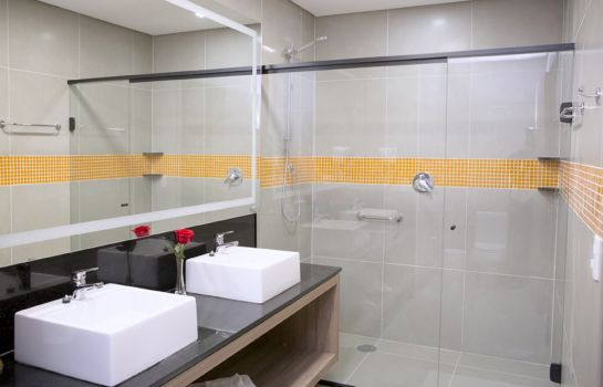 Bagno in camera Tryp By Wyndham Ribeirao Preto