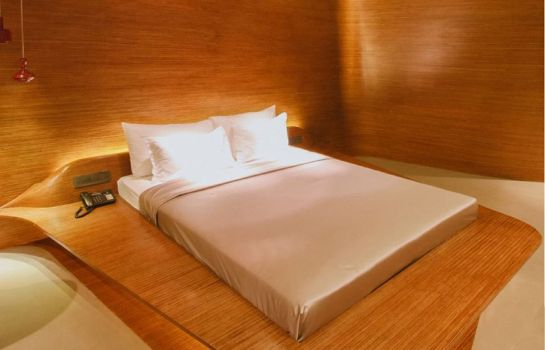Single room (standard) Design Hotel Chennai by juSTa