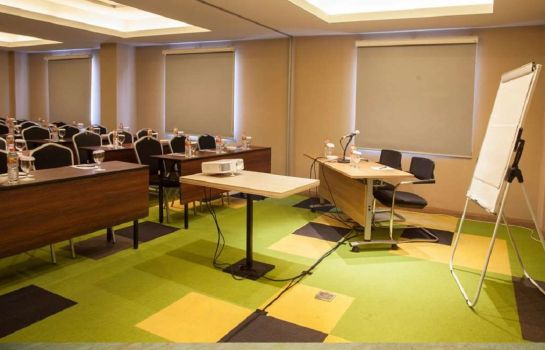 Meeting room Kyriad Pesonna Surabaya