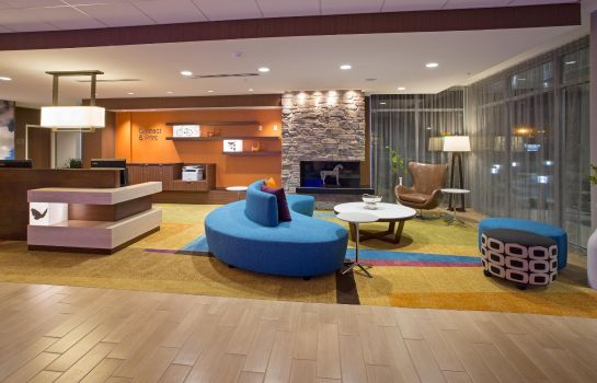 Lobby Fairfield Inn & Suites Burlington