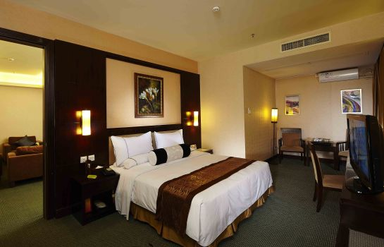 Junior Suite Legend International Hotel