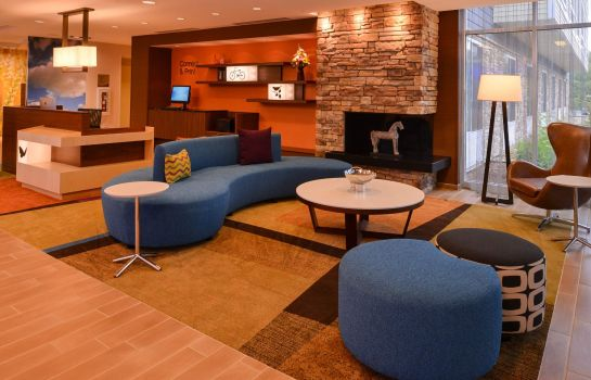 Hotelhalle Fairfield Inn & Suites Plymouth