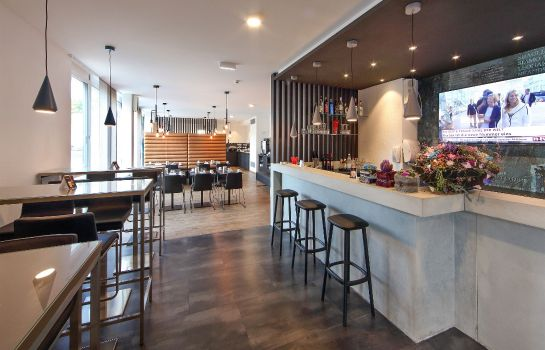 Hotel-Bar Design & Lifestyle Hotel Estilo