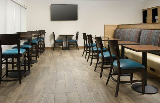 Restaurant TownePlace Suites Alexandria Fort Belvoir