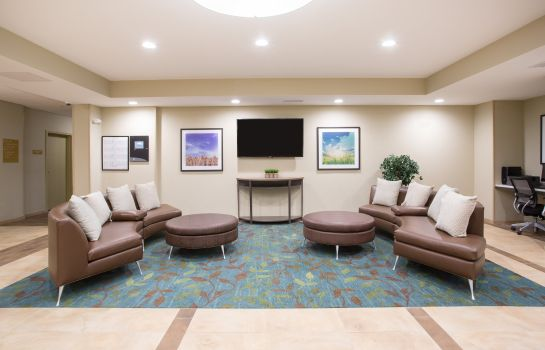 Lobby Candlewood Suites LONGMONT