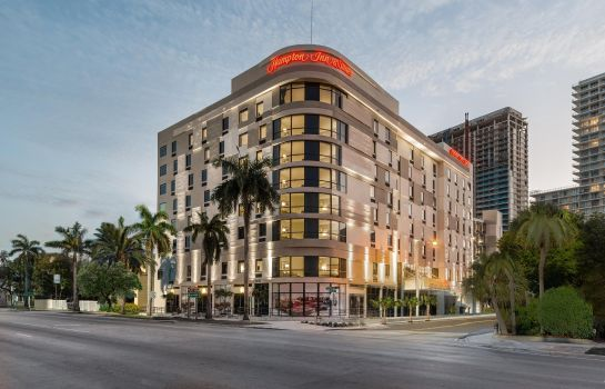 Buitenaanzicht Hampton Inn - Suites Miami Midtown FL