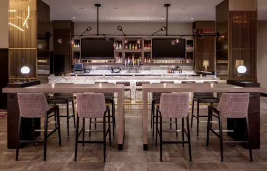 Bar hotelowy Embassy Suites By Hilton Minneapolis Downtown Hotel