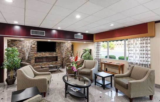 Hall Quality Inn & Suites Cincinnati