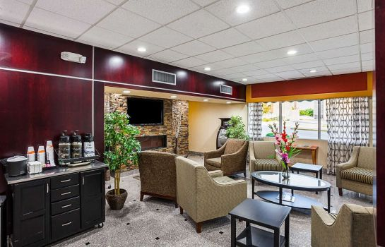 Hall Quality Inn and Suites Cincinnati