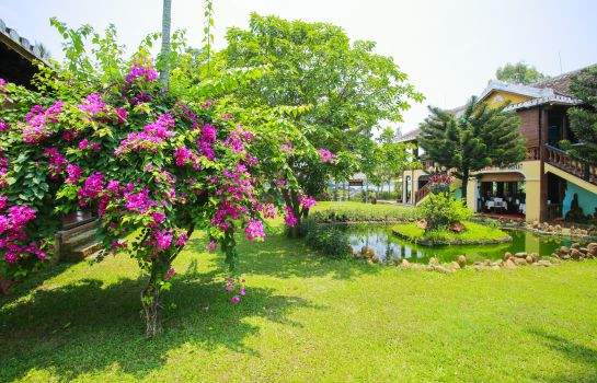 Garten Pho Hoi Riverside Resort