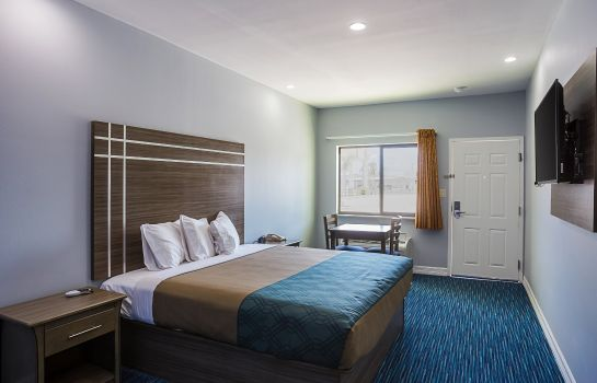 Suite Rodeway Inn & Suites Houston - I-45 North near Spring