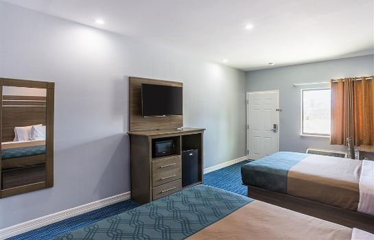 Kamers Rodeway Inn and Suites Houston - I-45 No