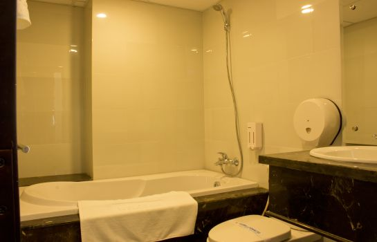 Bagno in camera International Hotel