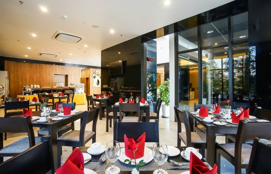 Breakfast buffet TRYP by Wyndham Yangon