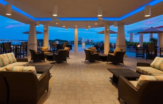 Hotel-Bar HMPTN Ste Clearwater Beach
