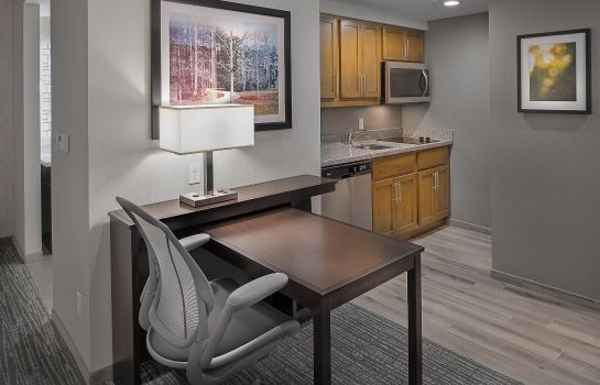 Bar del hotel Homewood Suites by Hilton StL Westport