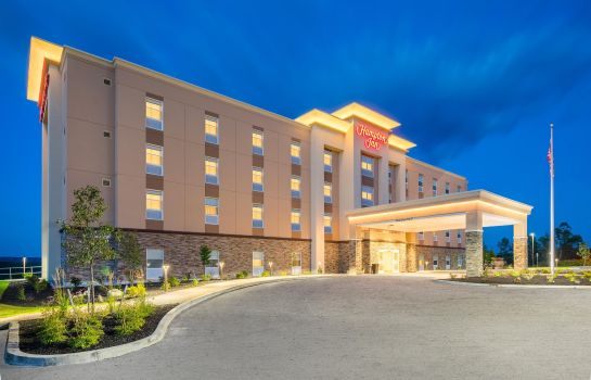 Exterior view Hampton Inn by Hilton Oxford ME