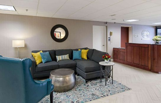 Hotelhalle Quality Inn & Suites Worcester