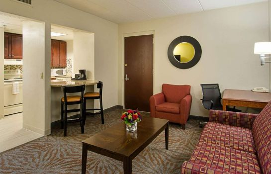 Zimmer Quality Inn & Suites Worcester