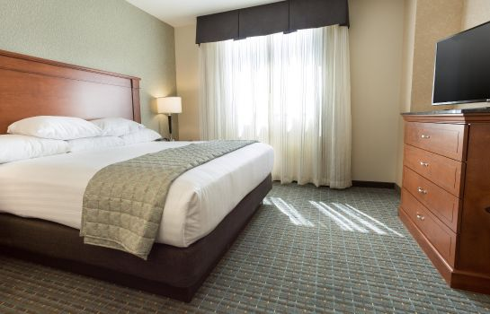 Suite DRURY INN AND SUITES BURLINGTON