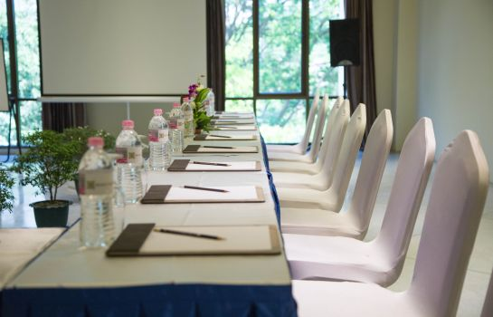 Meeting room Yangon Rose Garden Hotel
