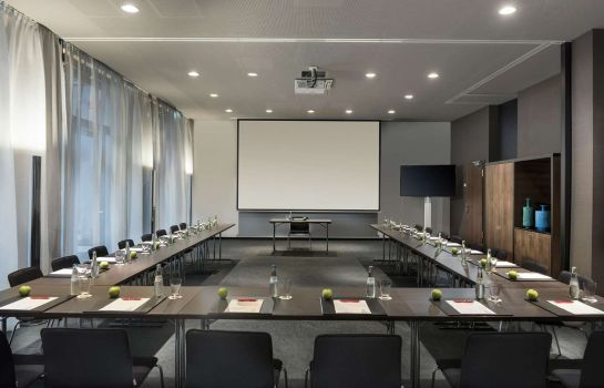 Conference room Adina Apartment Hotel Frankfurt Westend