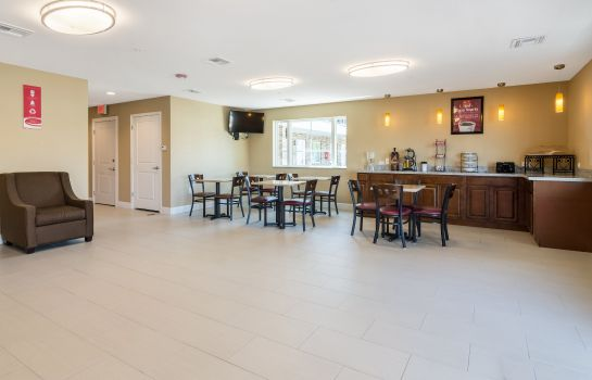Lobby Econo Lodge Inn & Suites North Little Rock near Riverfront