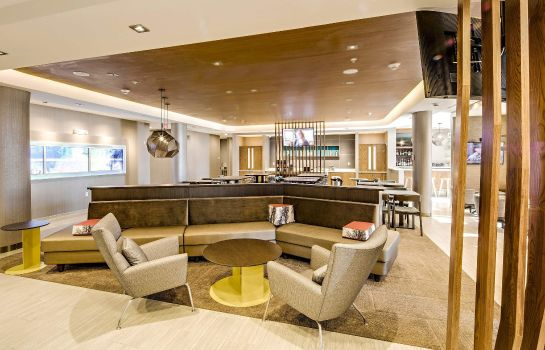 Hotel bar SpringHill Suites Dayton North