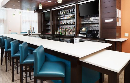 Hotel-Bar Fairfield Inn & Suites Savannah Downtown/Historic District