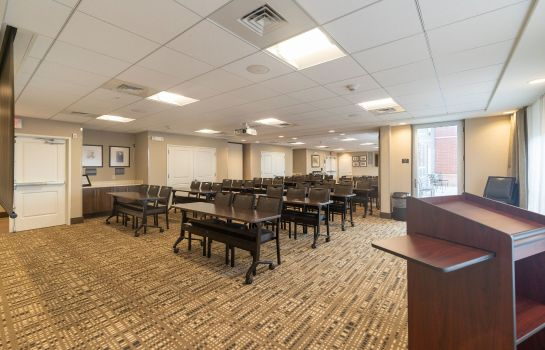 Sala de reuniones Staybridge Suites MARQUETTE