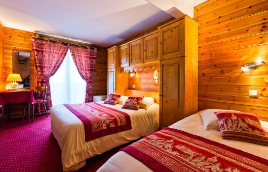 Four-bed room Hotel Le Tremplin