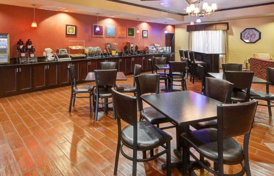 Restaurant Comfort Suites at Lake Worth