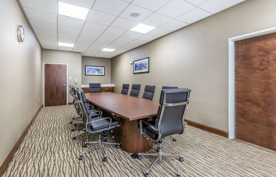 Conference room Comfort Suites Houston I-45 North