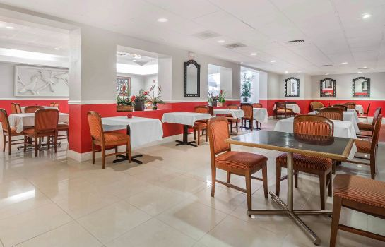 Restaurant Clarion Hotel Orlando International Airport