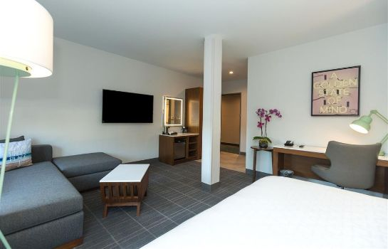 Suite Cambria Hotel LAX