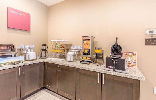 Restaurant Comfort Suites Northwest Houston at Beltway 8
