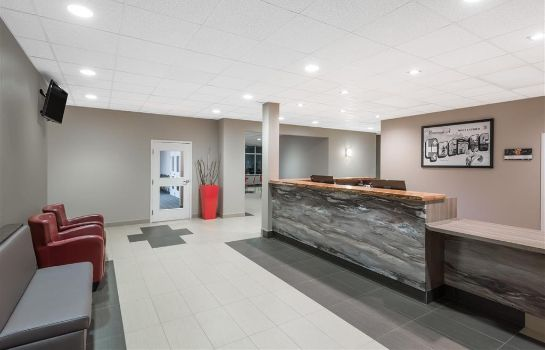 Hol hotelowy Super 8 by Wyndham Mont Laurier