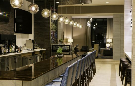 Hotelbar DoubleTree by Hilton Minneapolis -University Area