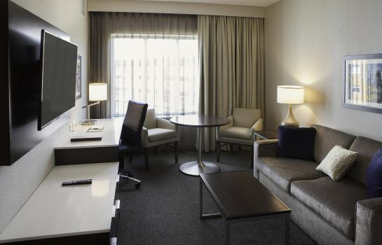 Suite DoubleTree by Hilton Minneapolis -University Area