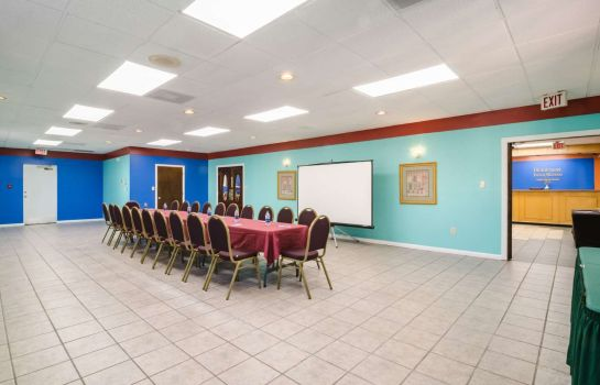 Conference room Rodeway Inn and Suites Greensboro Southe Rodeway Inn and Suites Greensboro Southe