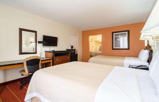 Double room (superior) Rodeway Inn & Suites Greensboro