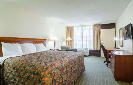 Room Rodeway Inn and Suites Greensboro Southe Rodeway Inn and Suites Greensboro Southe