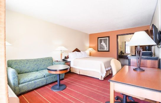 Zimmer RODEWAY INN AND SUITES