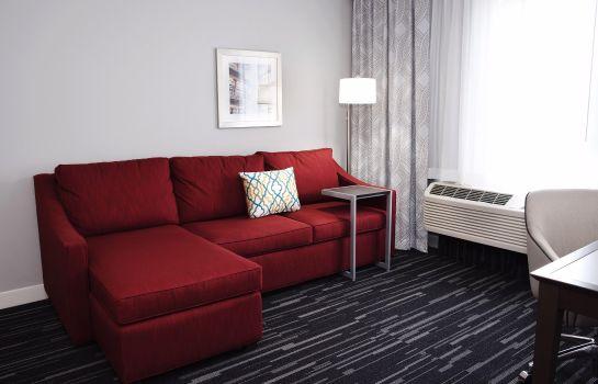 Hampton Inn Suites Des Moines Urbandale Ia Hotel De
