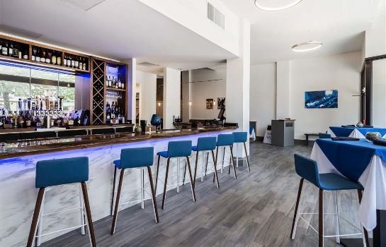 Hotel bar The Waters Ascend Hotel Collection
