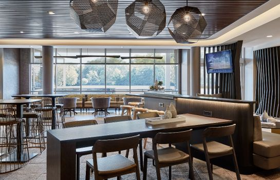 Hotel-Bar SpringHill Suites Tulsa at Tulsa Hills